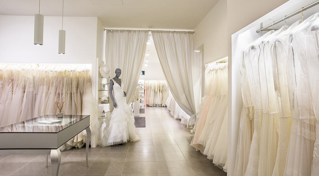 eea62836b1b2 Abiti da sposo. L  Atelier propone anche le collezioni abiti da sposo Fausto  Sari ...
