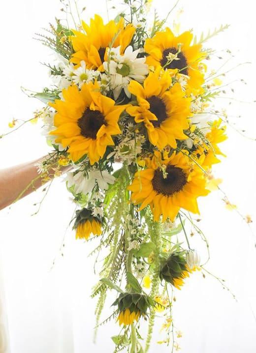 Bouquet girasoli matrimonio sposa