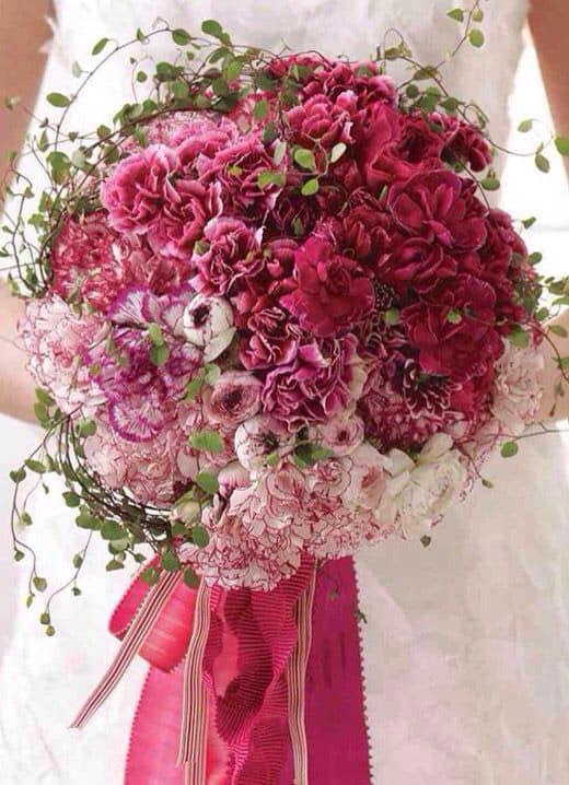 bouquet wedding garofani sposa