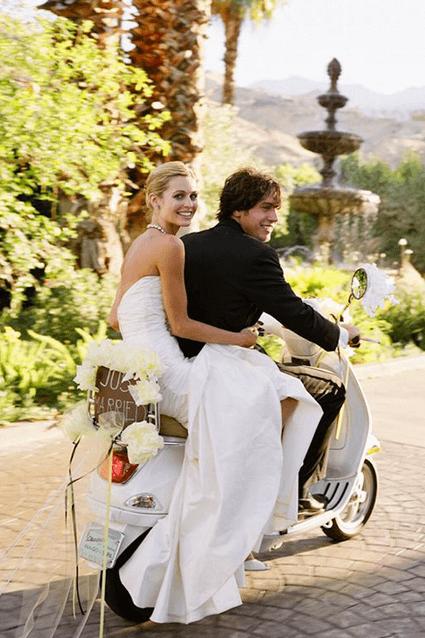 matrimonio sposa in scooter
